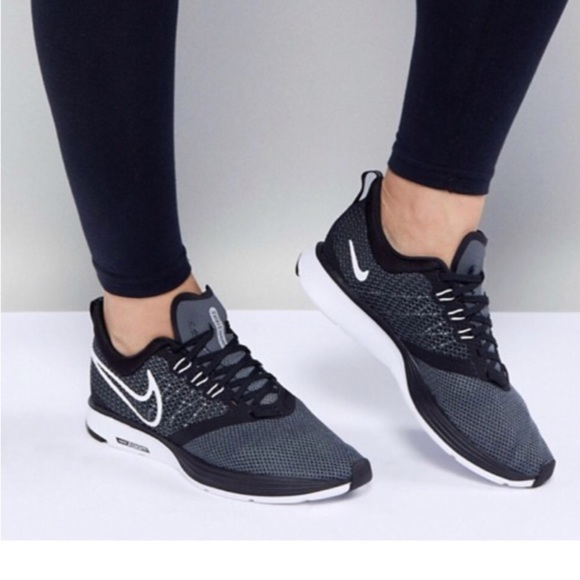 0952be61c32ad Nike black white running air zoom strike
